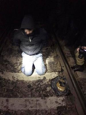 На Харьковщине экс-милиционер пытался взорвать железнодорожный мост