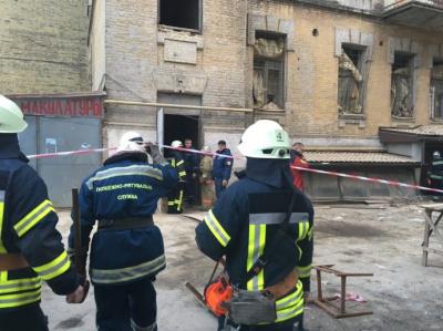Обвал будинку у Києві: Одна людина загинула, ще двоє під завалами
