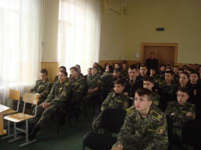 Школярів у Чернівцях агітують вступати до військових вишів