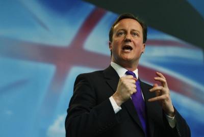 """Британський прем'єр вважає, що вихід з ЄС це """"авантюра століття"""""""