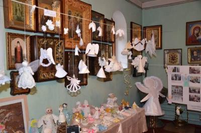 До Чернівців привезуть виставку ангелів