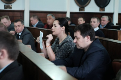 Хтось має виступити об'єднувальним центром, - депутат про кризу у міськраді Чернівців
