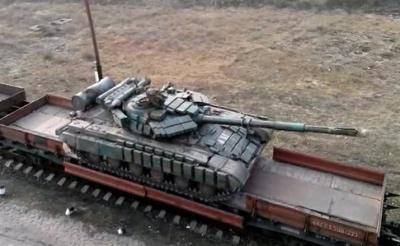 Розвідка: Росія перекинула на Донбас, танки, САУ та гаубиці