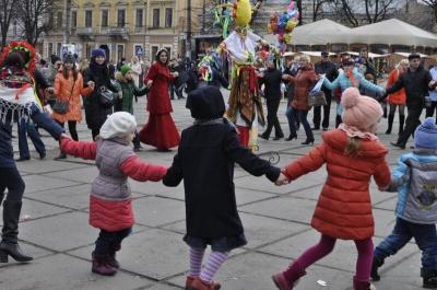 У Чернівцях під час проводів зими зібрали п'ять тисяч гривень
