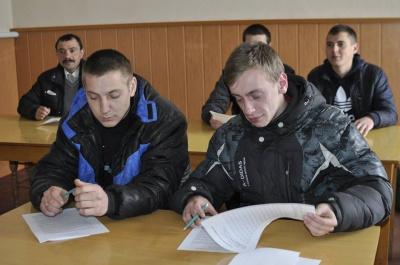 З Буковини до навчальних центрів відправили 50 майбутніх контрактників (ФОТО)