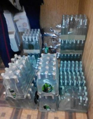 На Буковині СБУ викрила підпільний цех з виробництва алкоголю