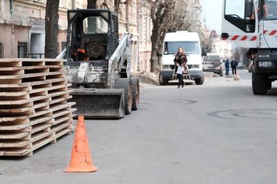 У Чернівцях дочасно відновили ремонт вулиці Хмельницького (ФОТО)