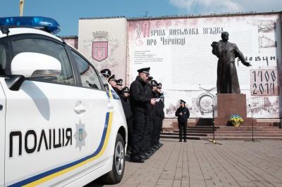 Поліцію Чернівців депутати закликали їздити Садгорою вночі без проблискових маячків