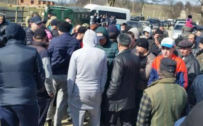 Бурбак просить Авакова розібратися з контрабандистами, які перешкоджали прикордонникам на Буковині