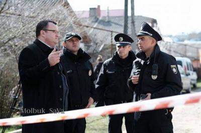 Мера Чернівців ледь не оштрафували за те, що переходив дорогу у недозволеному місці