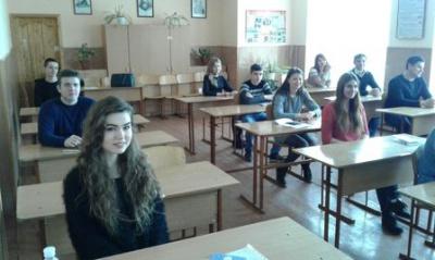 Пробне ЗНО з української мови на Буковині складали понад 2 тисячі 500 людей (ФОТО)