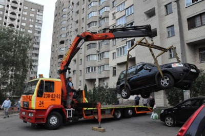 У поліції Чернівців розповіли, які штрафи сплачуватимуть водії за неправильне паркування автомобілів