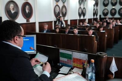 У Чернівцях депутати міськради узаконили «місцеве Межигір'я» (виправлено)
