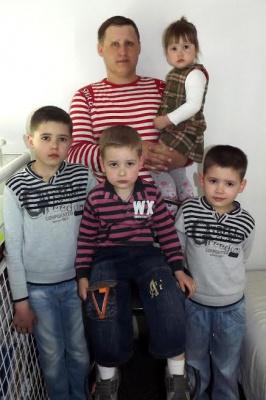 Помогите спасти отца четырех детей из Черновцов