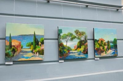 У Чернівцях відкрили виставку картин, написаних українськими художниками у Франції (ФОТО)