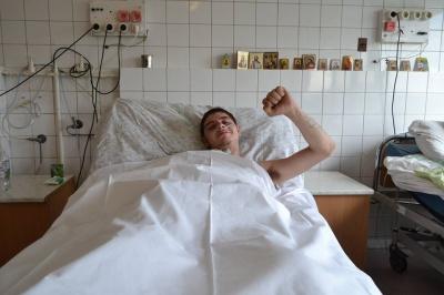 У лікарні в Дніпропетровську врятували бійця-буковинця після важкого поранення