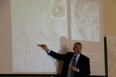 Професор з Італії читав лекції майбутнім архітекторам у ЧНУ