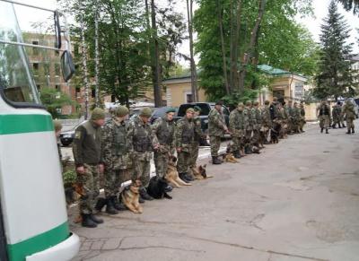 """Стережіться, контрабандисти — на Буковину приїхав """"спецназ"""" прикордонників (ФОТО)"""