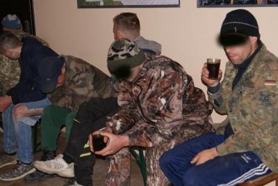 На кордоні на Буковині затримали велику групу контрабандистів