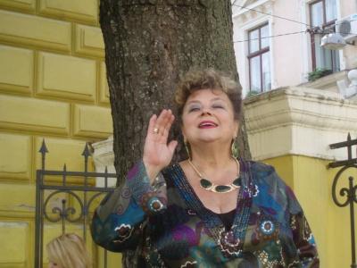 Народній артистці з Чернівців потрібна допомога (ФОТО)