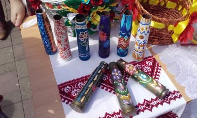 У Чернівцях продавали розфарбовані дітьми гільзи з передової (ФОТО)