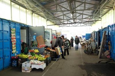 У Чернівцях підприємці вимагають скасувати заборону на переміщення контейнерів на Калинці