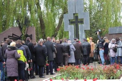 У Чернівцях відзначили 30-ту річницю Чорнобильської трагедії (ФОТО)