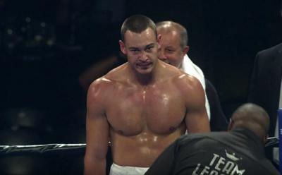 Чернівецький боксер втретє переміг на професійному рингу