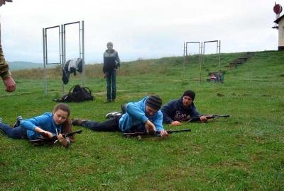 Буковинські школярі провели збори зі стрільбами на полігоні (ФОТО)