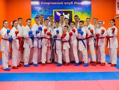 Чернівецькі кікбоксери здобули шість медалей на чемпіонаті України