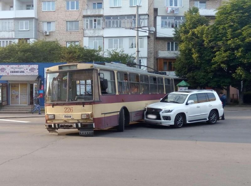 """Результат пошуку зображень за запитом """"дтп тролейбус"""""""