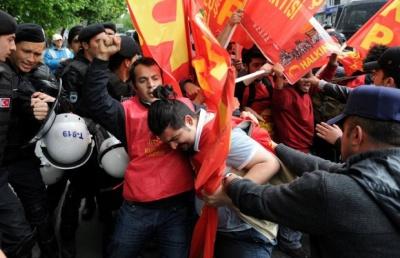 У Стамбулі першотравневу демонстрацію розганяли водометами та сльозогінним газом