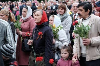 У центрі Чернівців вшанували полеглих у Другій світовій війні (ФОТО)