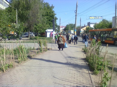 У Чернівцях таки розчистили вулицю Ентузіастів від стихійної торгівлі