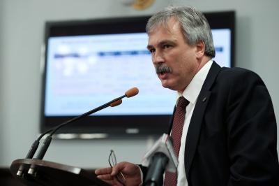 """Зробимо все, щоб літак на Київ полетів з 1-го липня, - директор аеропорту """"Чернівці"""""""