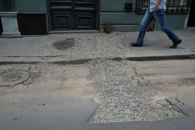 Вулицю Руську в Чернівцях відновлять у червні (ФОТО)