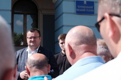 Перевізники не страйкують, хоча переговори у мерії Чернівців дуже складні