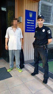 """Поліція затримала чоловіка, котрий """"замінував"""" автовокзал у Чернівцях"""