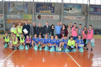 Діти з проблемних сімей провели у Чернівцях міні-футбольний турнір (ФОТО)
