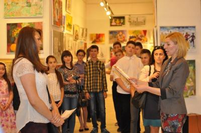 50 обдарованим учням Чернівців вручили міські стипендії (ФОТО, ВІДЕО)
