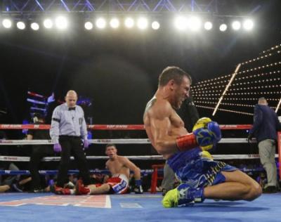 Український боксер-професіонал став чемпіоном у двох категоріях