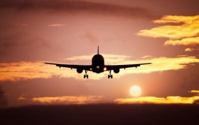 «Економіки ніхто не бачить, МАУ працюватиме на власний острах», - нардеп про запуск літака «Чернівці - Київ»