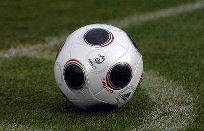 У чемпіонаті Буковини з футболу лідери перемогли