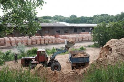 На цегельні у Чернівцях, де загинули двоє робітників, торік зафіксували порушення техніки безпеки