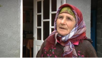 Працівниця сільради на Буковині побила літню жінку, - ЗМІ