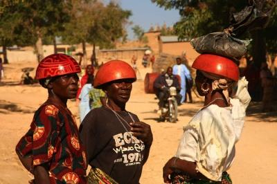 У Камеруні збираються карати чоловіків в'язницею за подружню зраду