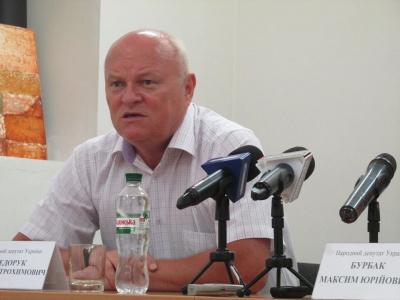 Федорук і Бурбак передадуть по 12 мільйонів чернівецькому аеропорту