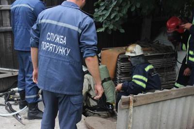 У Черкасах троє чоловіків загинули у каналізаційній ямі
