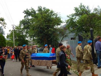 Двоє загиблих бійців АТО з села на Буковині були сусідами