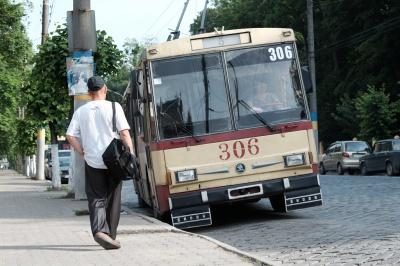 У Чернівцях проїзд у тролейбусі подорожчає до двох гривень